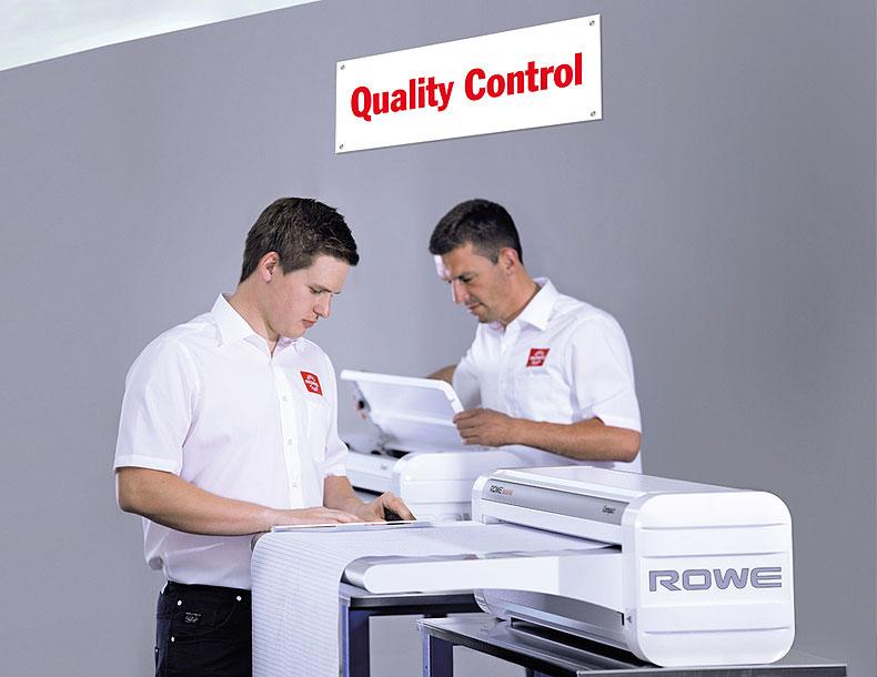 rowe-variofold-compact-qualitaetskontrolle-quality-control ROWE VarioFold Compact |大幅面彩色打印机|扫描仪|蓝图机|工程机|叠图机|裁切机专家